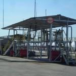 На территории нефтебазы специализированное здание насосной